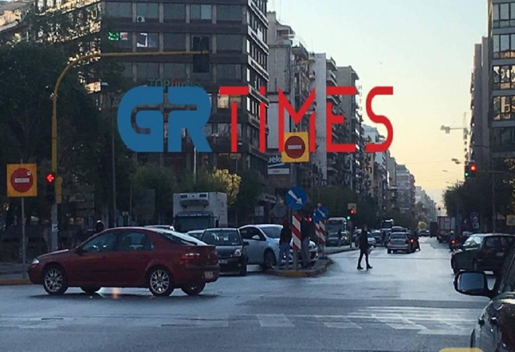 Θεσσαλονίκη: Σύγκρουση ΙΧ στο κέντρο