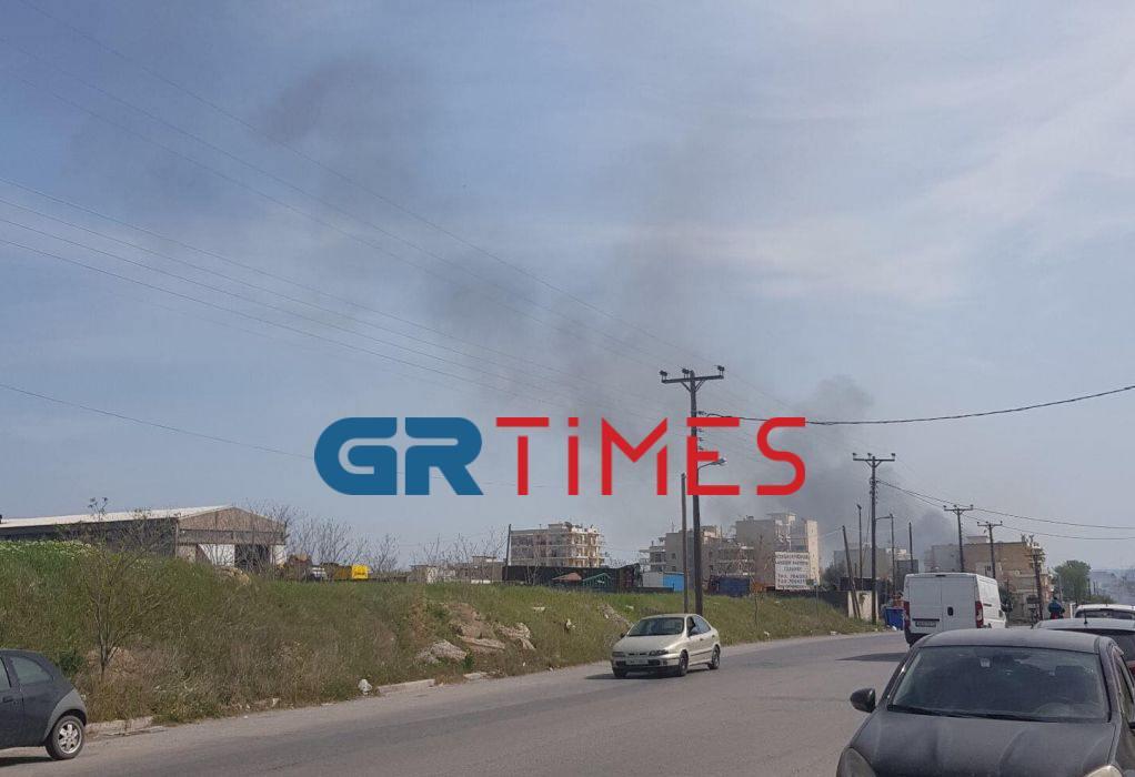 Εύοσμος Θεσ/νίκης: Κινητοποίηση για φωτιά σε ξερά χόρτα (ΦΩΤΟ)