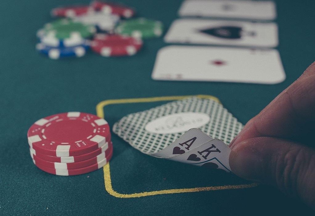 Πλ. Βάθης: «Ντου» της ΔΙΜΕΑ σε παράνομη χαρτοπαικτική λέσχη