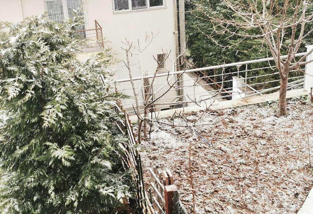 Απριλιάτικο χιόνι στα ορεινά της Θεσσαλονίκης (ΦΩΤΟ-VIDEO)