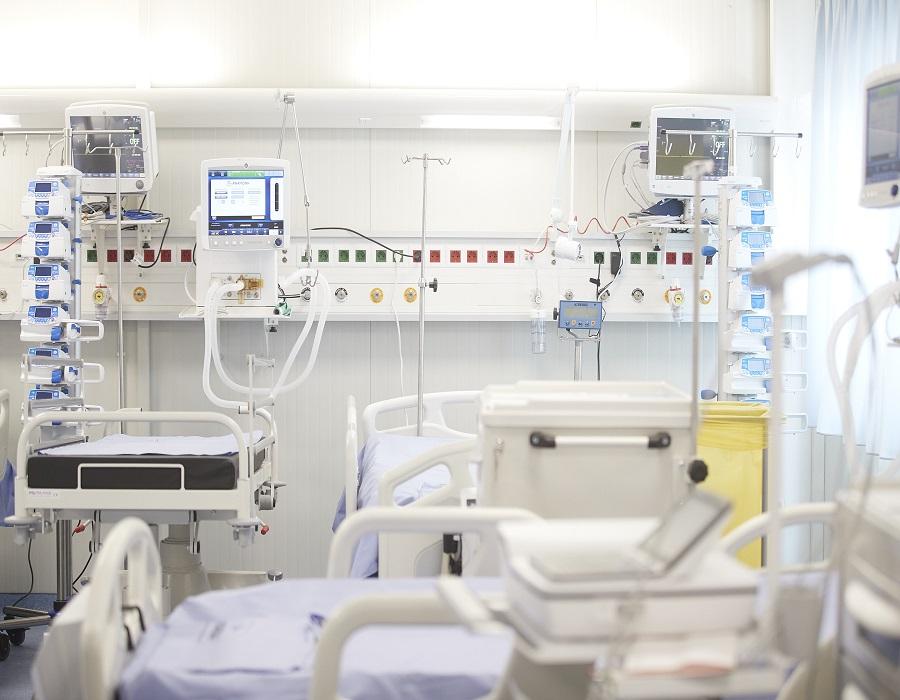 Πάτρα: Διασωληνώθηκε 30χρονη ανεμβολίαστη, στη ΜΕΘ νοσοκομείου
