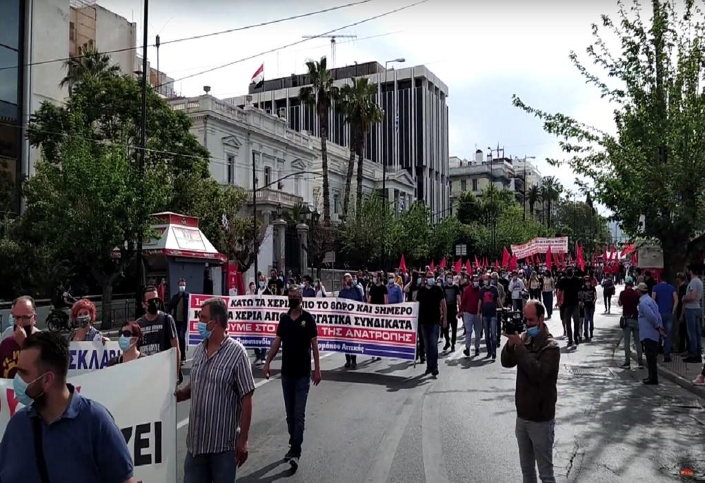 Αθήνα: Γέμισε το Σύνταγμα με διαδηλωτές κατά του εργασιακού νομοσχεδίου