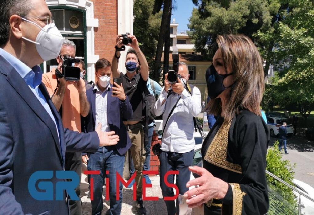 Στη Θεσσαλονίκη η Γιάννα Αγγελοπούλου – Συνάντηση με Τζιτζικώστα (ΦΩΤΟ-VIDEO)