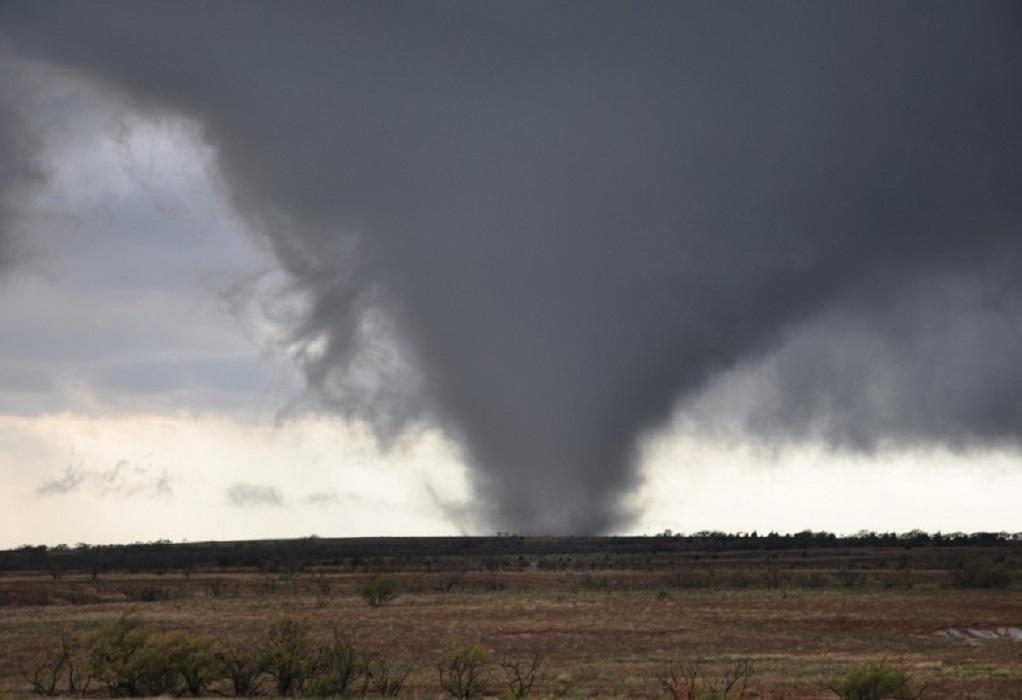 Νότιες ΗΠΑ: Ανεμοστρόβιλος κατέστρεψε κτήρια και ηλεκτροδότηση