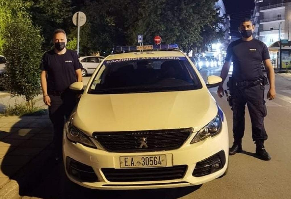 Σέρρες: Αστυνομικοί αναρριχήθηκαν στον 2ο και έσωσαν ηλικιωμένη