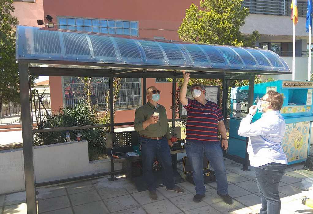 Η πρώτη έξυπνη στάση με φωτοβολταϊκά στον δήμος Νεάπολης-Συκεών
