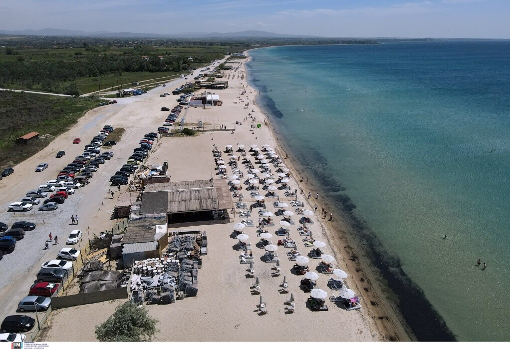 Επανομή: Κατέφθασε ο κόσμος στις οργανωμένες παραλίες
