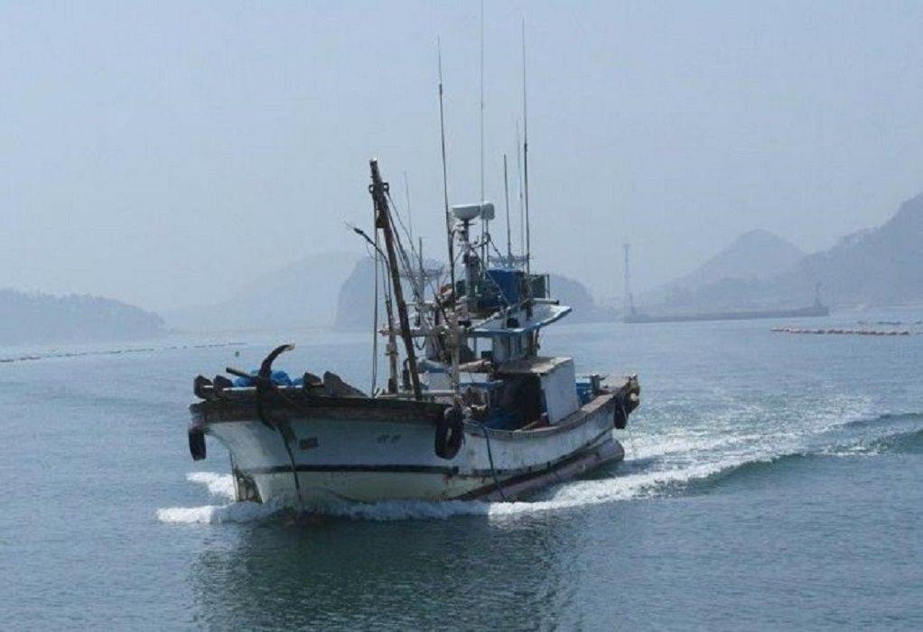 Λιβυκό στρατιωτικό σκάφος άνοιξε πυρ κατά ιταλικού αλιευτικού