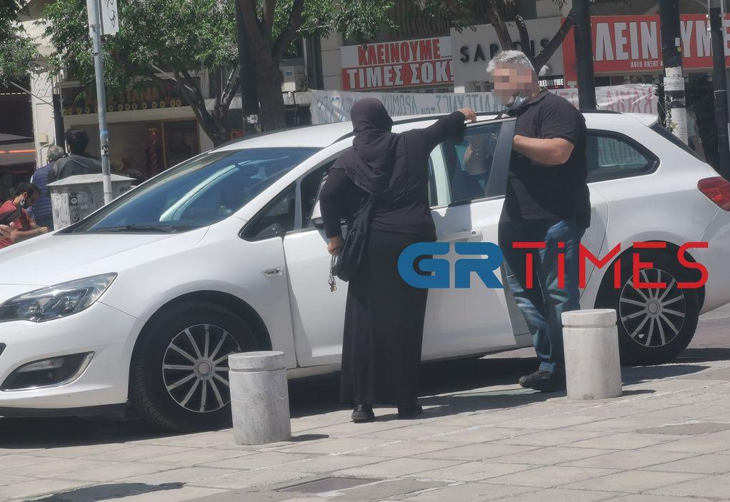 """Θεσσαλονίκη: Οι """"μαϊμού"""" μοναχές, οι κατάρες και το """"ευλογημένο"""" εμπόρευμα"""