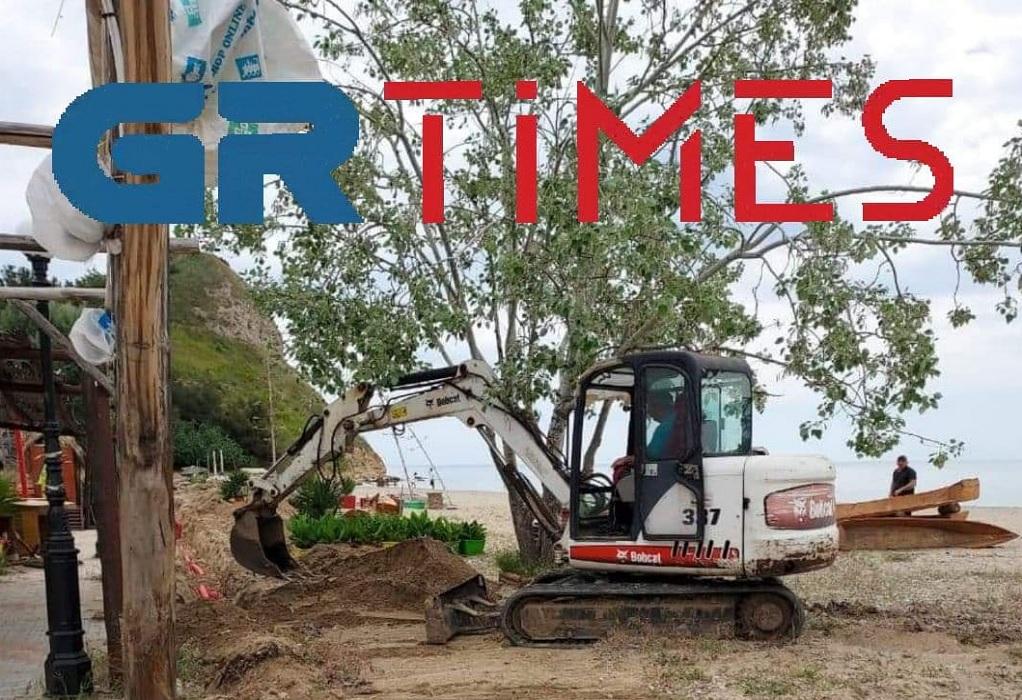 Χαλκιδική: Με αργούς ρυθμούς οι εργασίες για το άνοιγμα των πλαζ (ΦΩΤΟ)