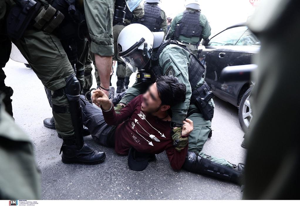 Πρεσβεία Ισραήλ: Τρεις συλλήψεις και δύο αστυνομικοί τραυματίες από τα επεισόδια