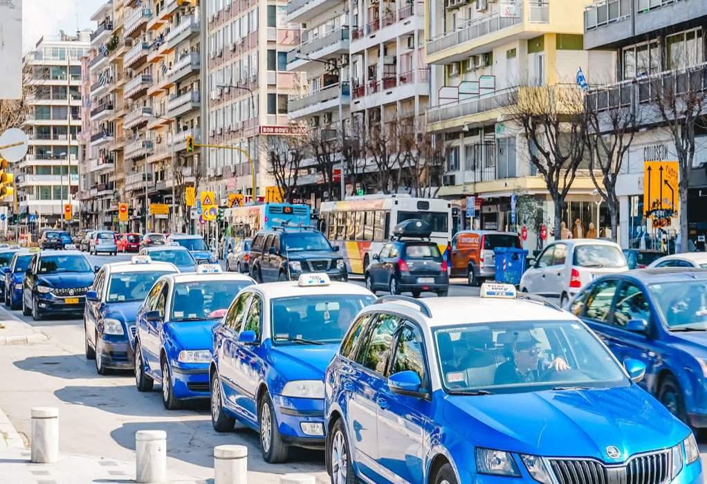 Ταξί Θεσσαλονίκης: Δεν καλοβλέπουν την άνοδο της UberΤΑΧΙ
