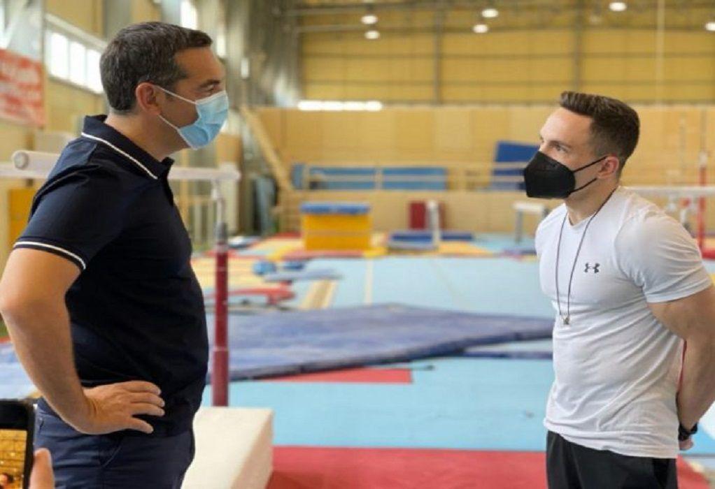 Τσίπρας προς Πετρούνια: Να βοηθήσουμε τον ερασιτεχνικό αθλητισμό όσο μπορούμε