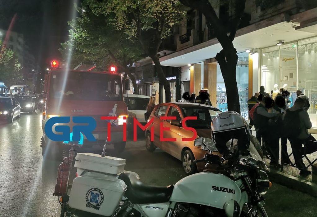 Κινητοποίηση της ΠΥ για πυρκαγιά σε κατάστημα στο κέντρο της Θεσσαλονίκης (ΦΩΤΟ-VIDEO)