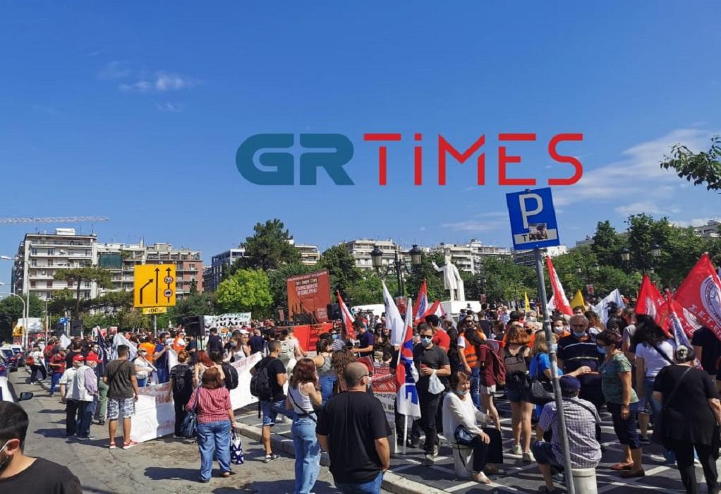 Ξεκίνησε η απεργιακή συγκέντρωση του ΠΑΜΕ στη Θεσσαλονίκη (ΦΩΤΟ-VIDEO)
