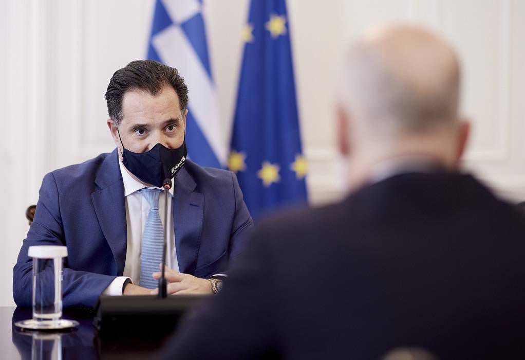 Αδ. Γεωργιάδης: Κανένας ανεμβολίαστος σε κλειστό εστιατόριο ή θέατρο από τον χειμώνα