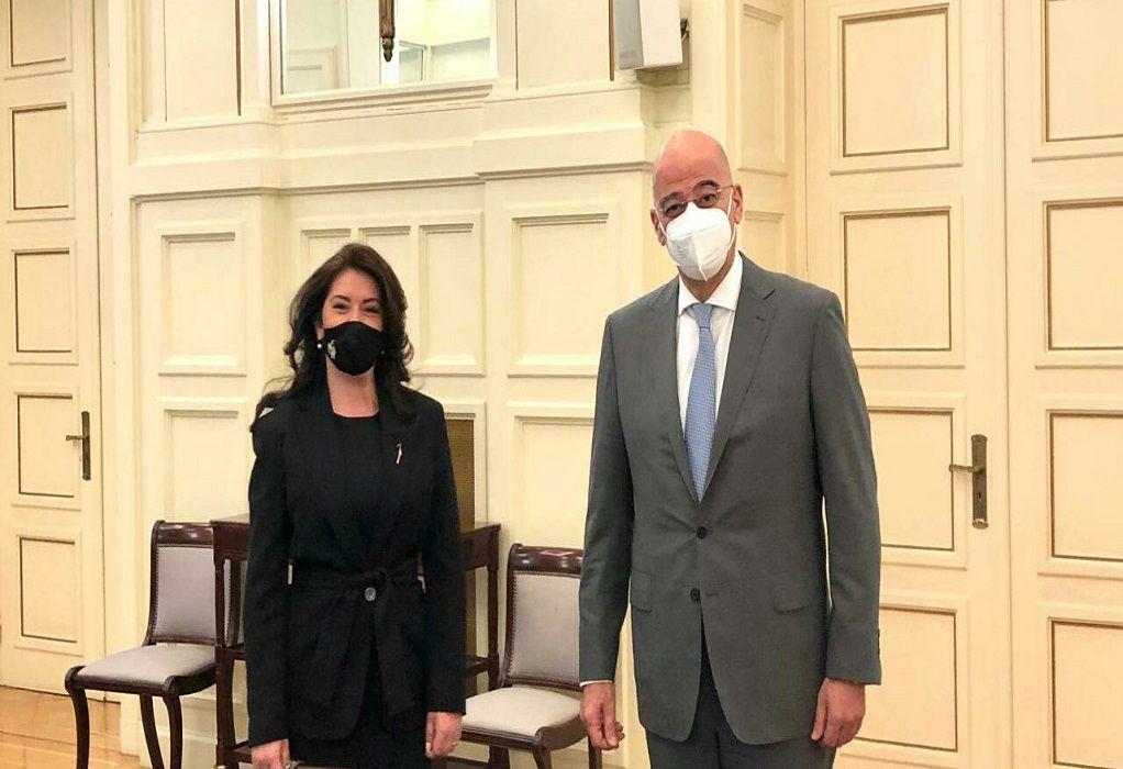Συνάντηση Δένδια με την πρέσβη της Αλβανίας