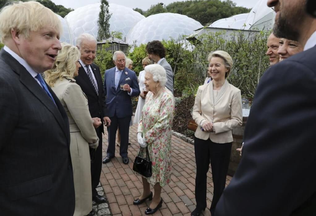 Δεξίωση της Βασίλισσας Ελισσάβετ στους G7