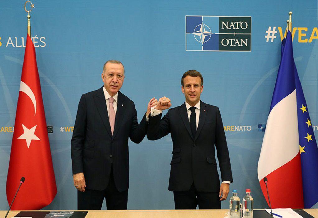 Συνομιλία Μακρόν – Ερντογάν πριν από τη Σύνοδο Κορυφής του ΝΑΤΟ