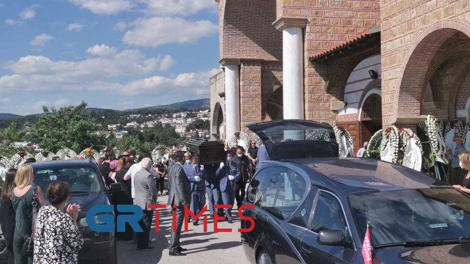 Θεσσαλονίκη: Με χειροκρότημα το τελευταίο αντίο στον Γιάννη Ραπτόπουλο (ΦΩΤΟ-VIDEO)
