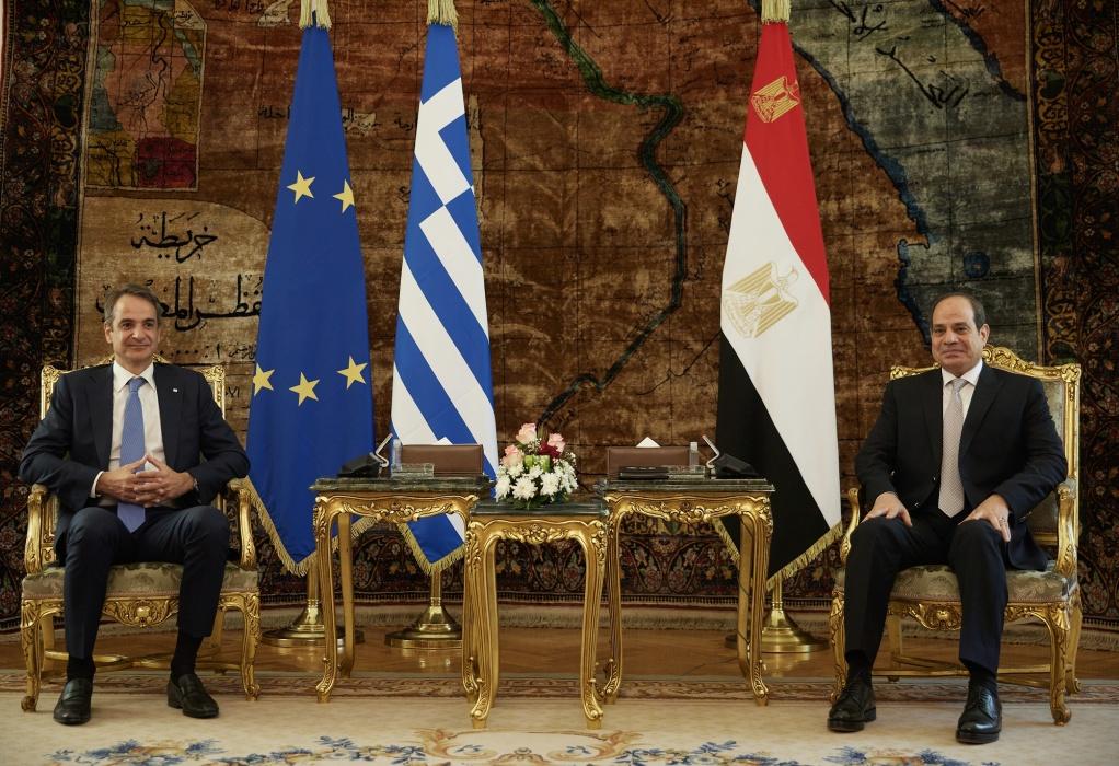Επίσκεψη πρωθυπουργού στην Αίγυπτο – Πυκνές διμερείς επαφές και συναντίληψη για καίρια ζητήματα