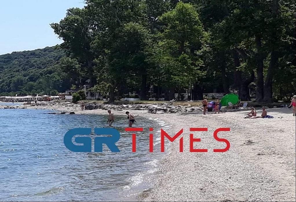 Θεσσαλονίκη: Άρχισαν να γεμίζουν σιγά – σιγά οι παραλίες, φωτογραφία-2