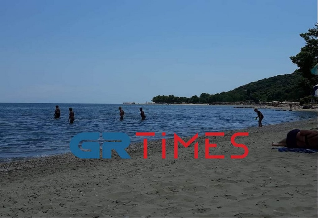 Θεσσαλονίκη: Άρχισαν να γεμίζουν σιγά – σιγά οι παραλίες, φωτογραφία-3