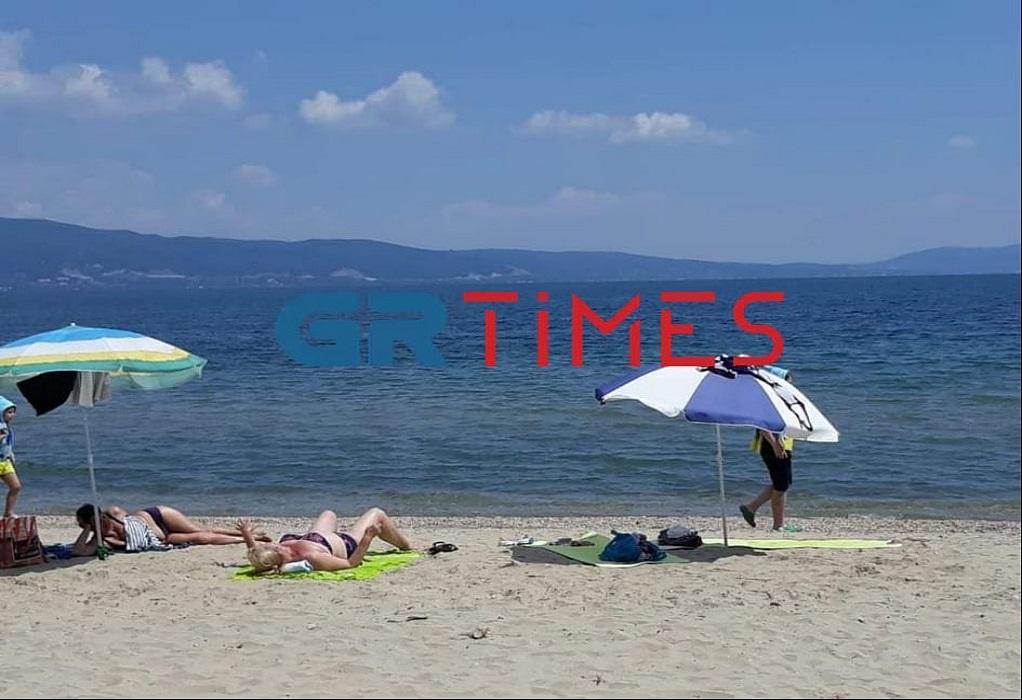 Θεσσαλονίκη: Άρχισαν να γεμίζουν σιγά – σιγά οι παραλίες, φωτογραφία-5