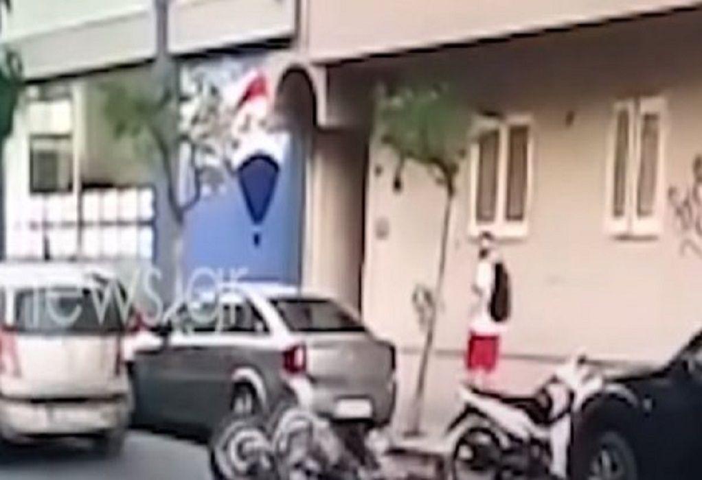 Χανιά: Σοκαριστικό βίντεο – Mηχανάκι παρασύρει παιδί και το πετάει στον δρόμο