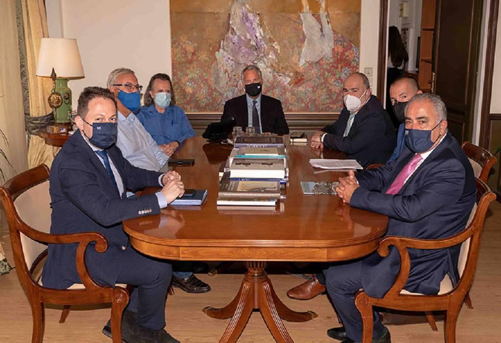 Ε.Ε.Α: Συνεπής ο Σ. Πέτσας στις δεσμεύσεις του για τις οφειλές στους δήμους