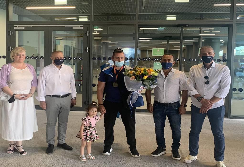 Υποδοχή του Παραολυμπιονίκη Τζούνη από τον δήμαρχο Λαγκαδά
