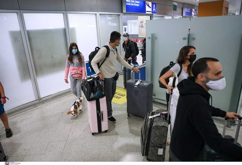 Σε 2,3 εκατομμύρια οι αφίξεις τουριστών στην Ελλάδα