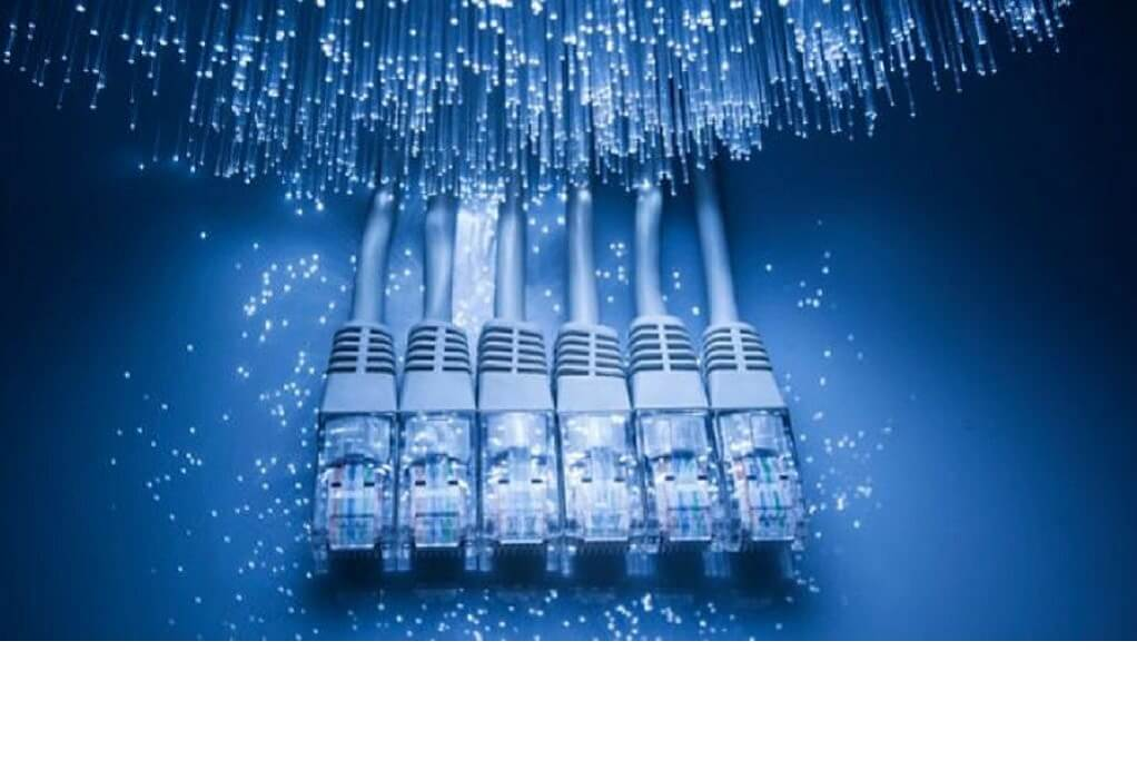 Ultra Fast Broadband: Μέχρι 17/9 η υποβολή προσφορών για το έργο