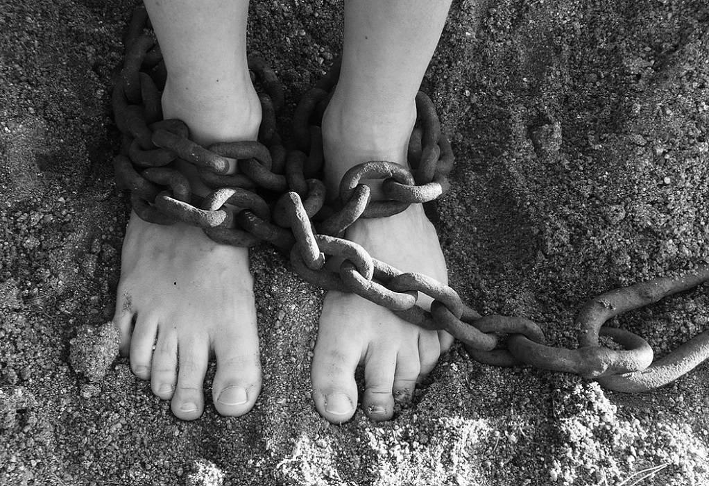 Σοκ στη Λάρισα: Απήγαγαν εξαμελή οικογένεια και τους ζητούσαν λύτρα