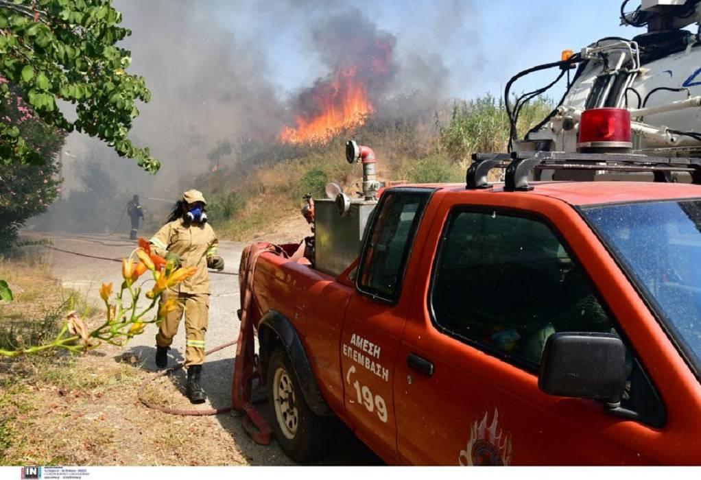 Πάτρα: Βελτιωμένη η εικόνα της πυρκαγιάς στη Δροσιά