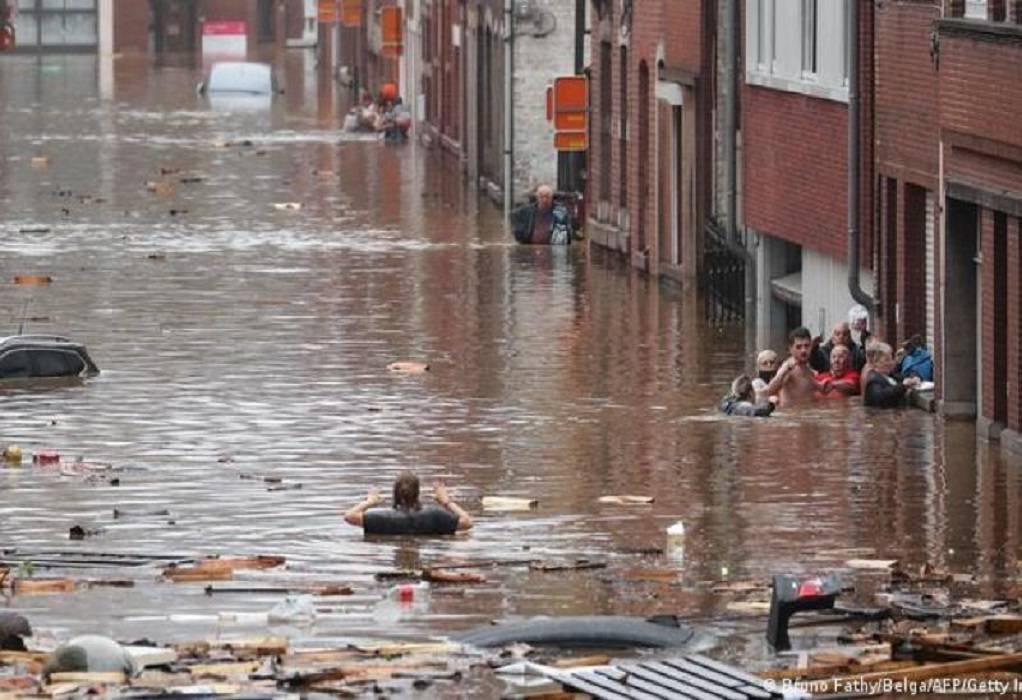 Βέλγιο: Ορμητικοί χείμαρροι παρέσυραν αυτοκίνητα
