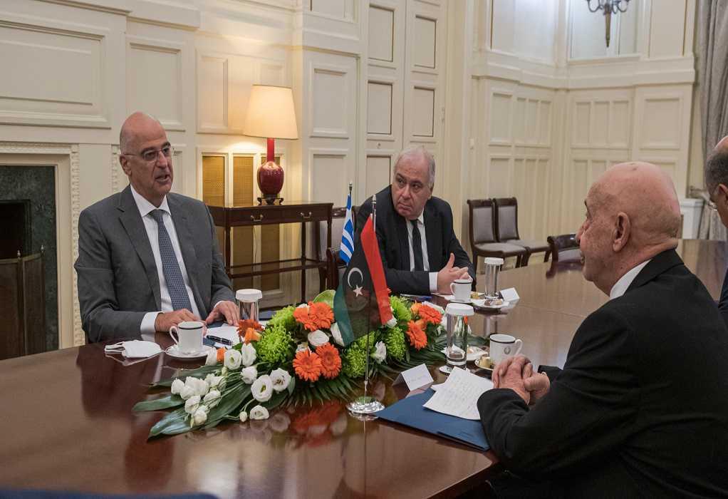 Συνάντηση Ν. Δένδια με τον πρόεδρο της Βουλής της Λιβύης – Αγκ. Σάλεχ: Άκυρα τα μνημόνια
