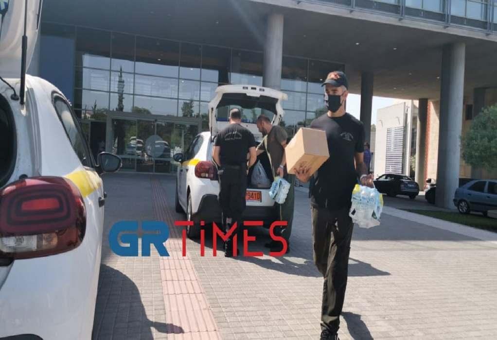 Θεσσαλονίκη: Η Δημοτική Αστυνομία μοιράζει νερά – Κλιματιζόμενοι χώροι για τον καύσωνα (VIDEO)