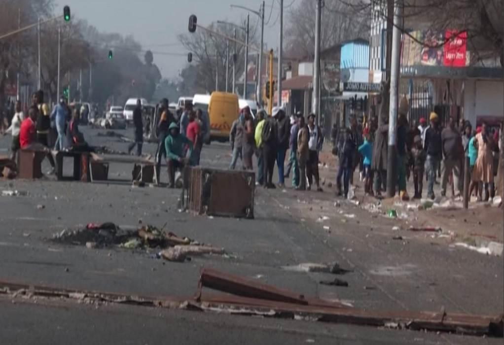 Νότια Αφρική: 72 νεκροί στα χειρότερα βίαια επεισόδια εδώ και χρόνια