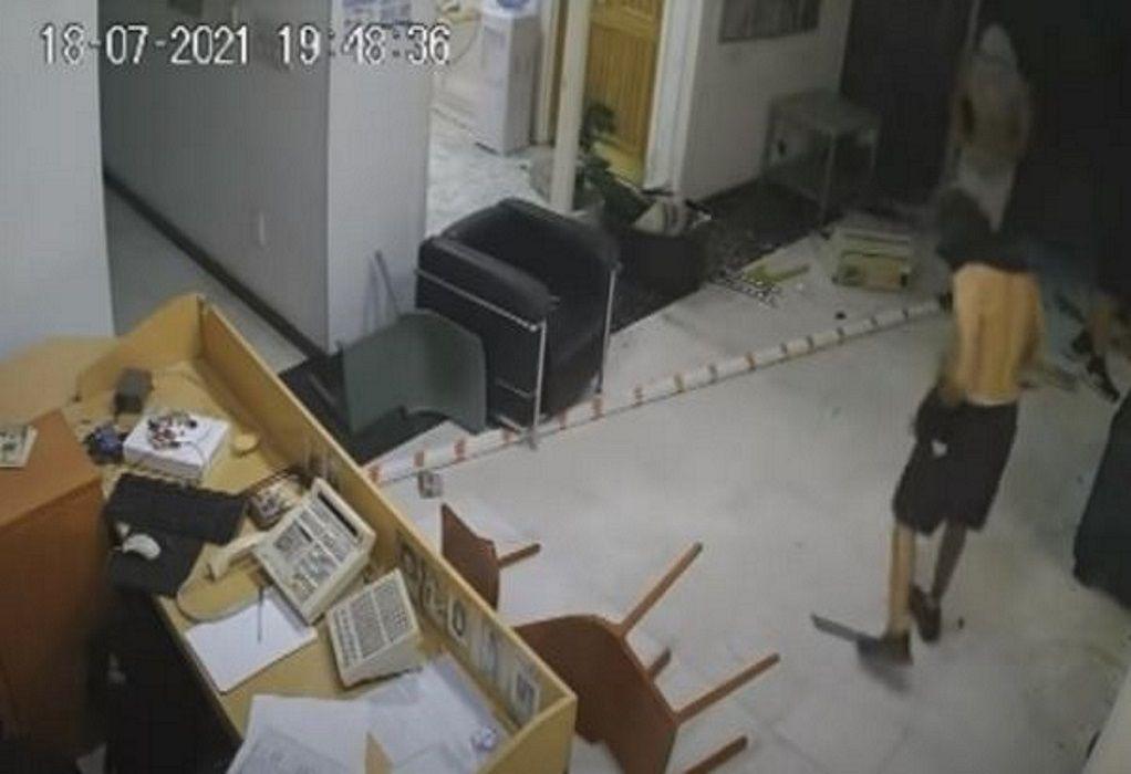 Κύπρος: Βίντεο από την επίθεση κουκουλοφόρων στον τηλεοπτικό σταθμό ΣΙΓΜΑ