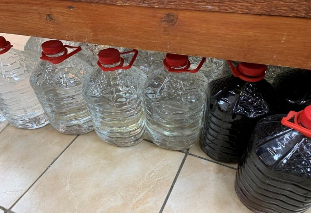 """Επιχείρηση """"Καθαρά Ποτά"""" από την ΑΑΔΕ – Κατασχέθηκαν 54 τόνοι νοθευμένων ποτών σε 48 ώρες"""