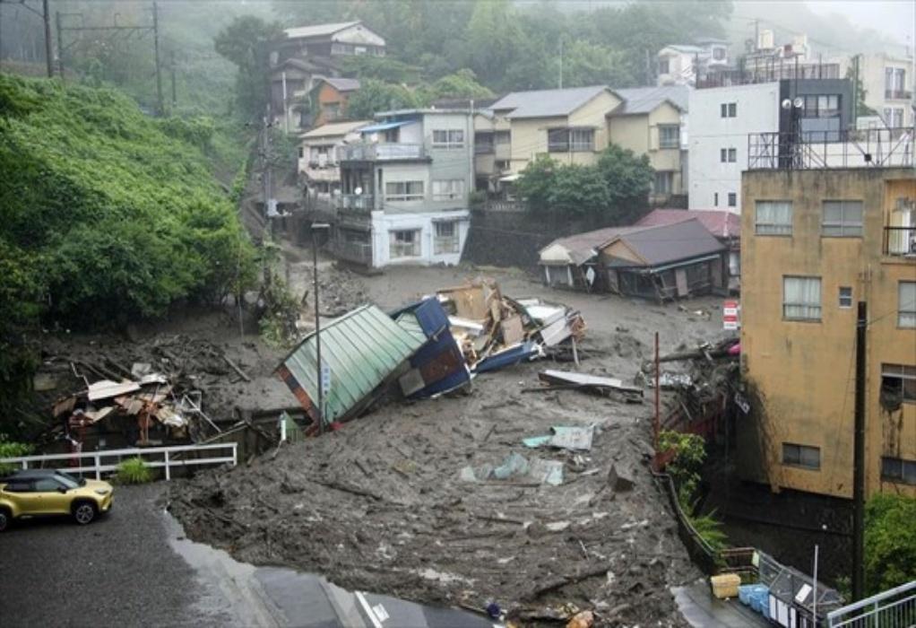 Ιαπωνία: Διασώστες αναζητούν επιζώντες στις λάσπες μετά τις κατολισθήσεις στην πόλη Ατάμι