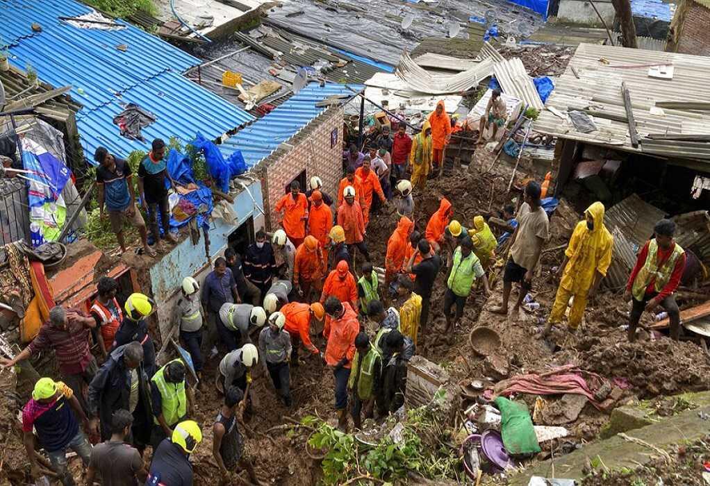 Ισχυρές βροχοπτώσεις στην Ινδία: Τουλάχιστον 15 νεκροί σε κατολισθήσεις στο Μουμπάι