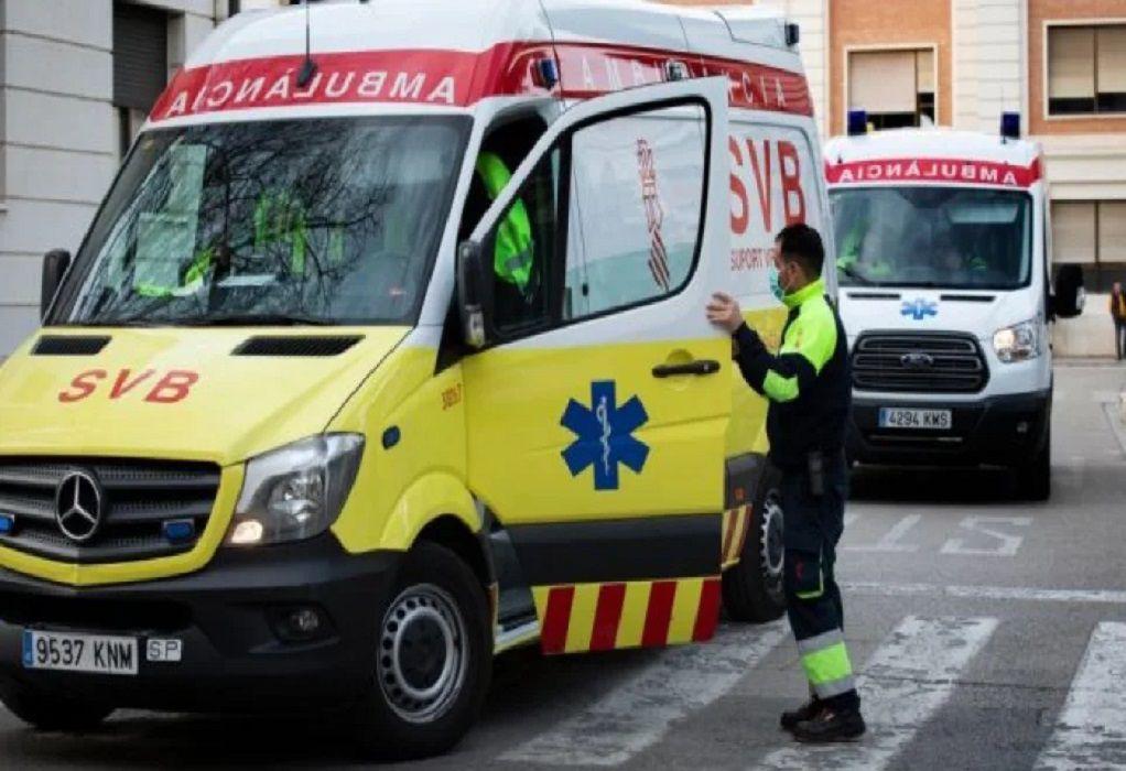 Ισπανία: Αυτοκίνητο έπεσε πάνω σε καταστήματα – Πέντε τραυματίες