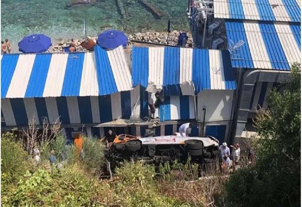 Ιταλία: Πτώση λεωφορείου σε χαράδρα – Ένας νεκρός και 19 τραυματίες
