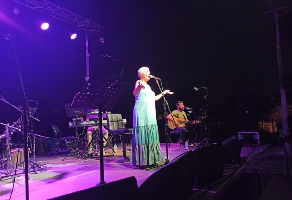 Δ. Ωραιοκάστρου: Εντυπωσίασε η Μελίνα Κανά στο Πολιτιστικό Καλοκαίρι