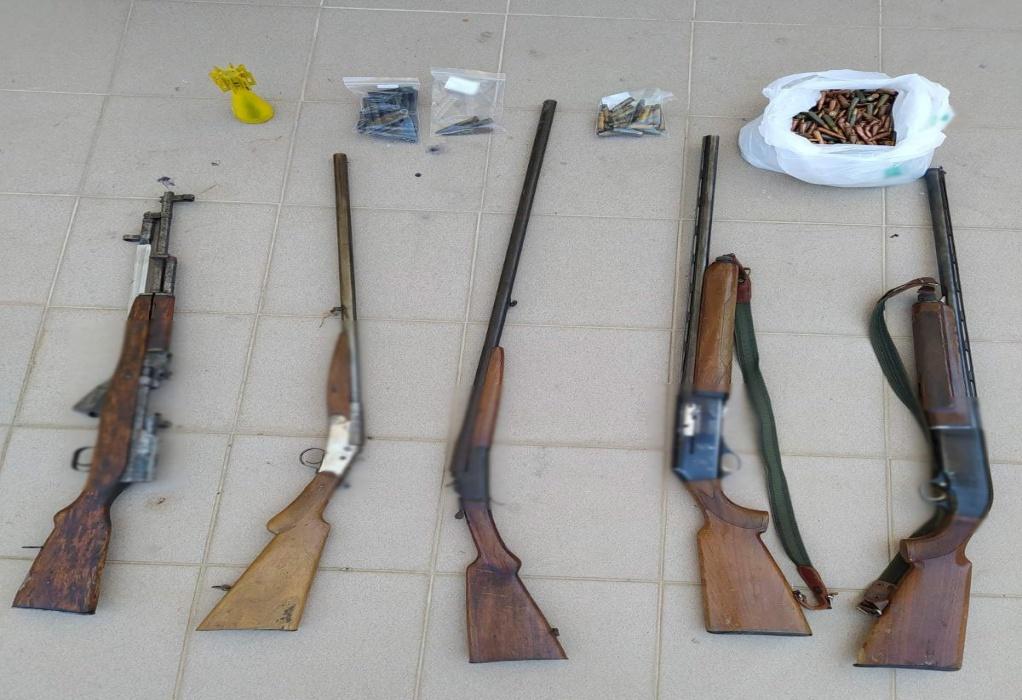 Καστοριά: Έκρυβε στο σπίτι του καραμπίνες, τουφέκι και εκατοντάδες φυσίγγια