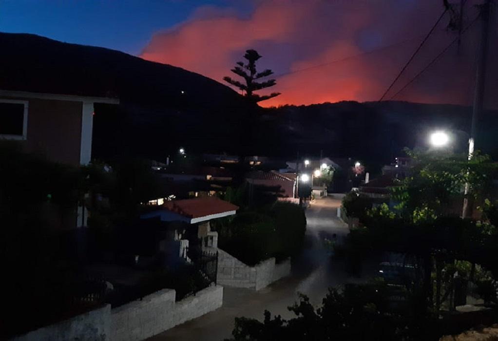 Κεφαλονιά: Ολονύχτια «μάχη» με τις φλόγες – Εκκενώνονται χωριά