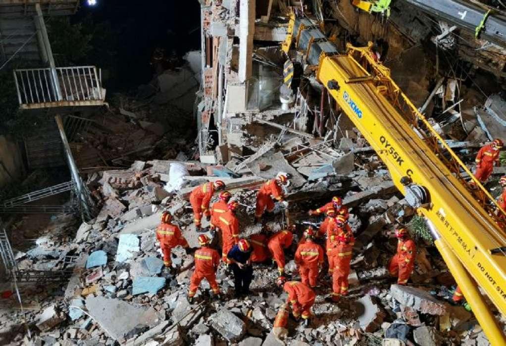 Κίνα: Στους 17 ο αριθμός των νεκρών από την κατάρρευση τμήματος ξενοδοχείου