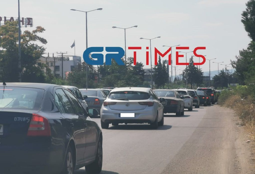 Με χαμηλές ταχύτητες και μποτιλιάρισμα η έξοδος των εκδρομέων προς Χαλκιδική (ΦΩΤΟ-VIDEO)